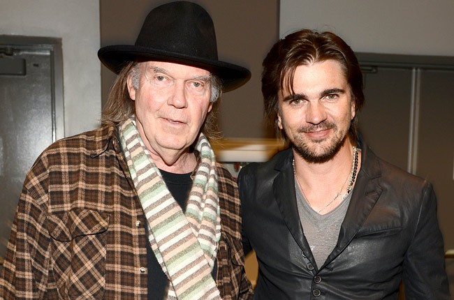 neil-young-juanes-grammys-2013-events-650-430