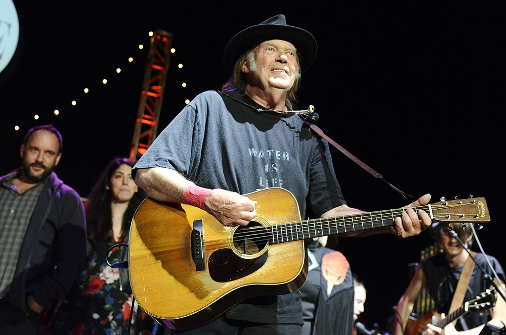 Neil Young, 2016