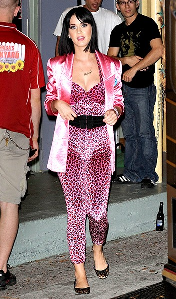 new-30apr2009-katy-perry-outrageous-fashion-600