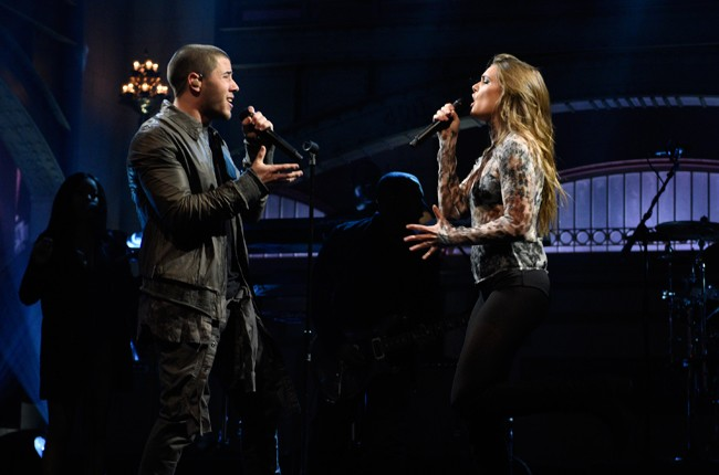 "Nick Jonas and Tove Lo performing ""Close"" on Saturday Night Live on April 16, 2016."