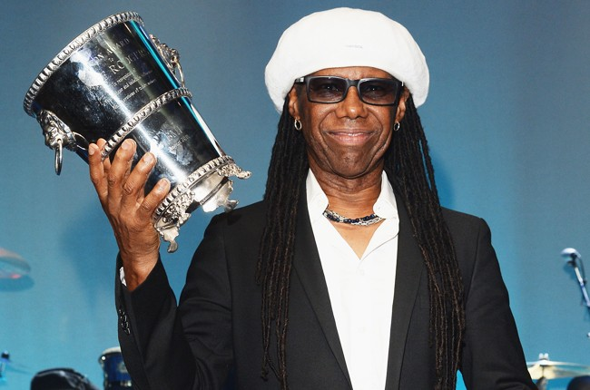 Nile Rodgers poses with the 2015 BMI Icon Award