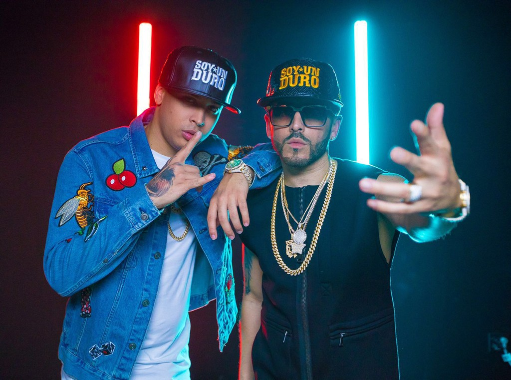 "BTS with Noriel and Yandel on their music video shoot for ""Doble Personalidad."""