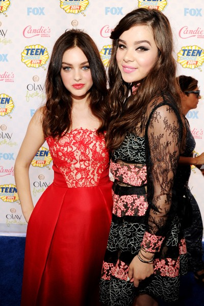 Odeya Rush and Hailee Steinfeld attend FOX's 2014 Teen Choice Awards