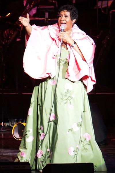 Aretha Franklin performing in 2011 in Clarkston, Michigan