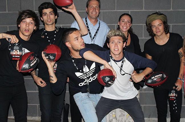 One Direction backstage at MetLife Stadium