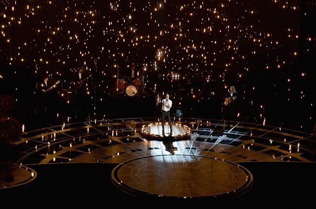 Adam Levine Oscars 2015 Performance