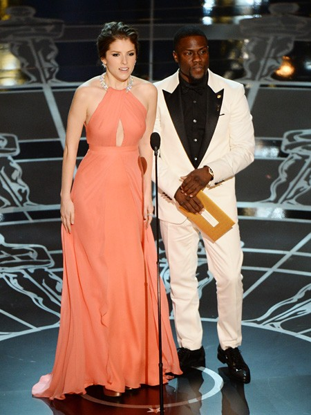 Anna Kendrick and Kevin Hart Oscars 2015