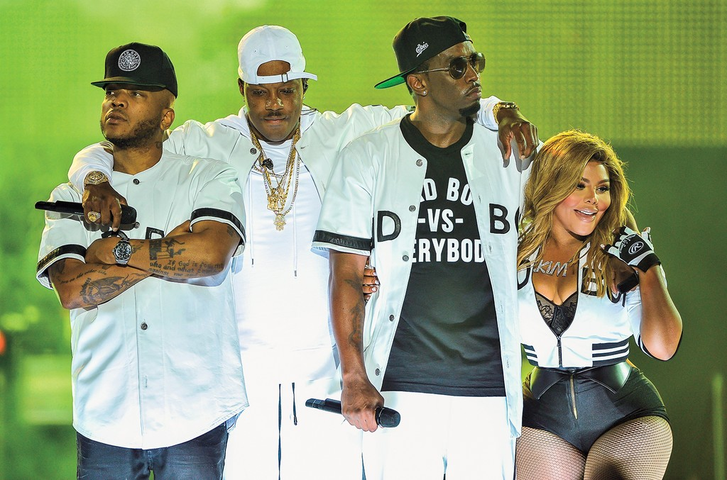 "(L-R) Jadakiss, Mase, Sean ""Puff Daddy"" Combs and Lil' Kim perform at the Bad Boy Family Reunion Tour at Oracle Arena on Sept. 30, 2016 in Oakland, Calif."