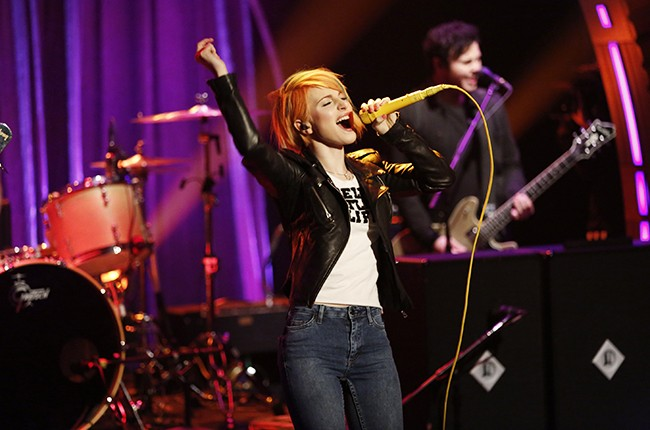 Paramore performs on Late Might with Seth Meyers