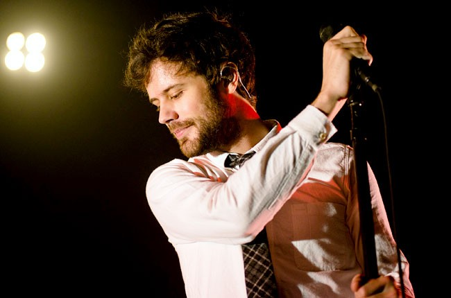 passion-pit-michael-angelakos-2-650-430