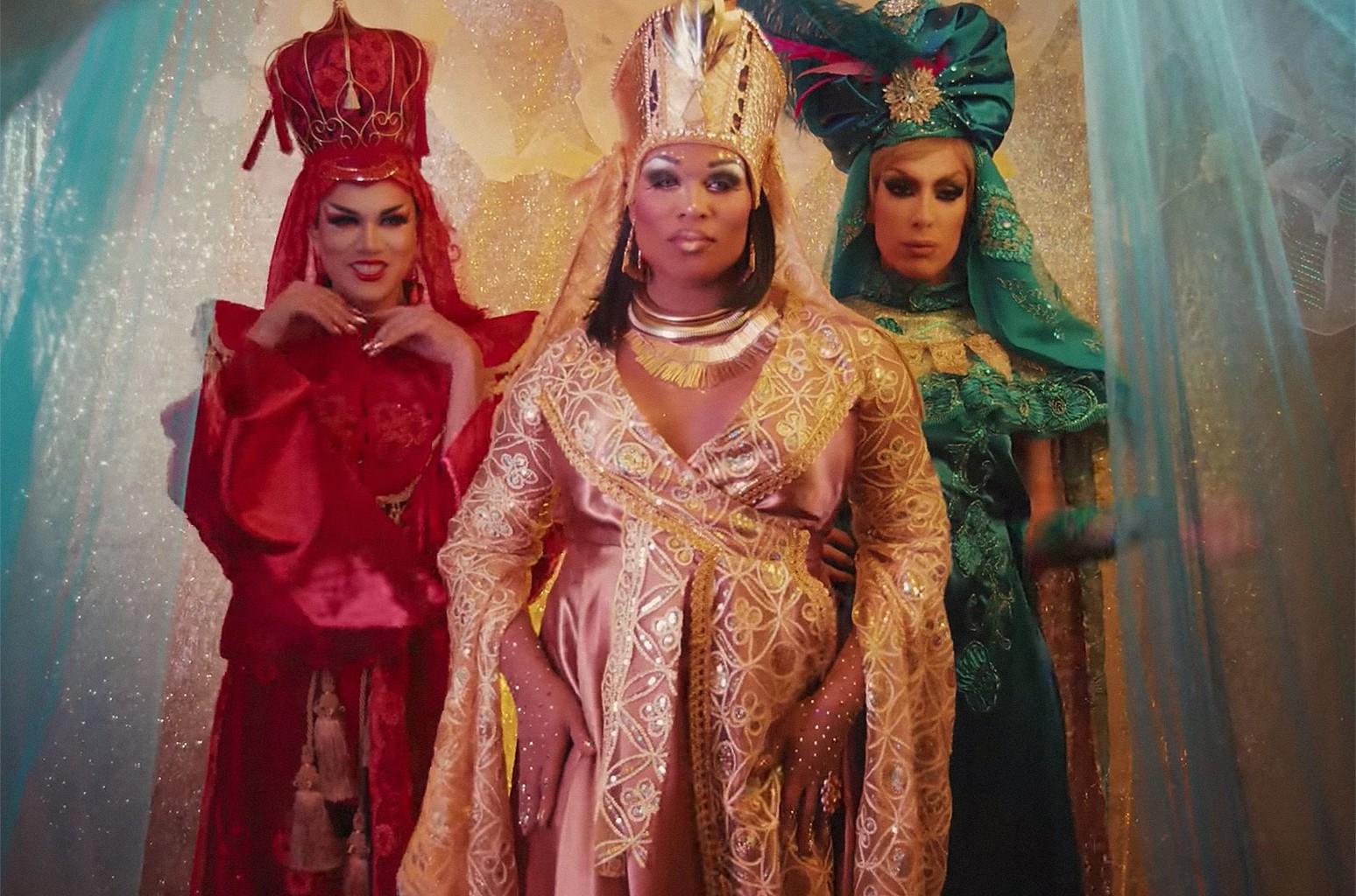 "Manila Luzon, Peppermint & Alaska Thunderfuck, ""We Three Queens"""