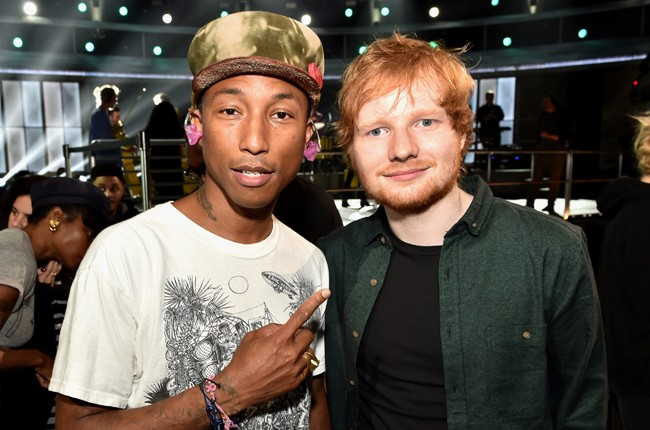 pharrell-ed-sheeran-rehearsal-grammys-2015-billboard-650