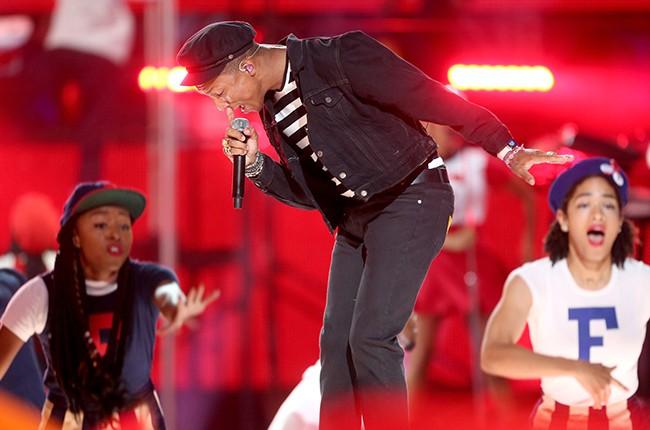 Pharrell Williams MTV VMAs 2015