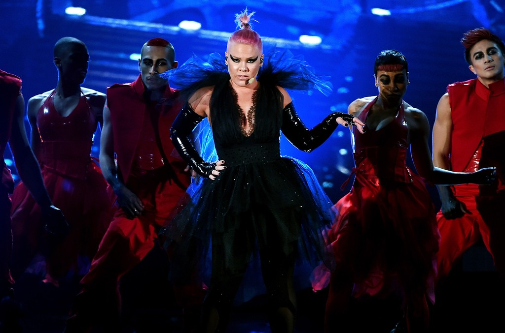 Pink performs at the 2016 Billboard Music Awards