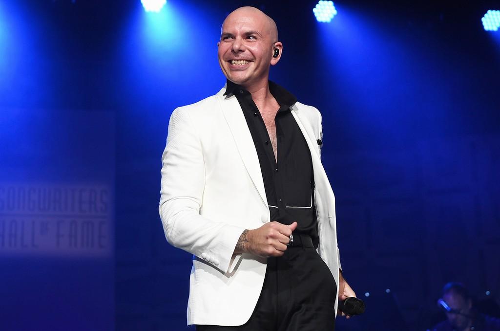 Pitbull, 2017