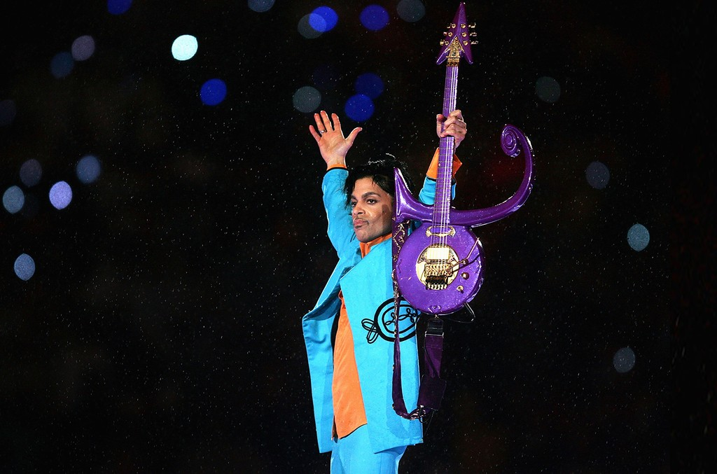 Prince performs at the Super Bowl XLI