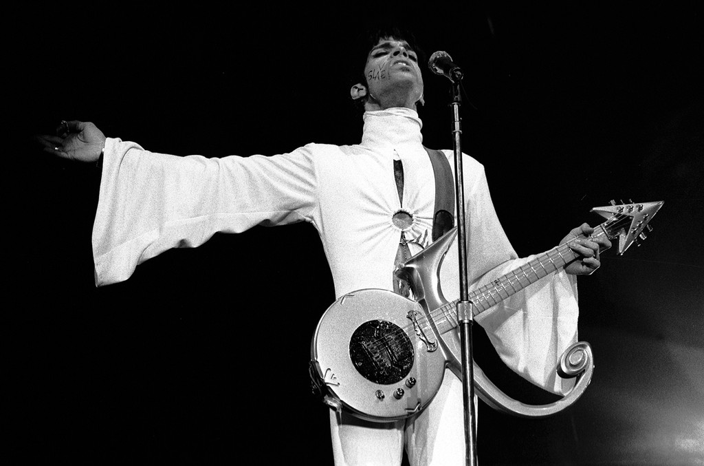 Prince performs in the Netherlands