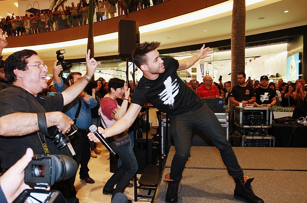 Prince Royce performs for fans during an in store appearance to release his new album 'Five' at Mall of San Juan on Feb. 24, 2017 in San Juan, Puerto Rico.