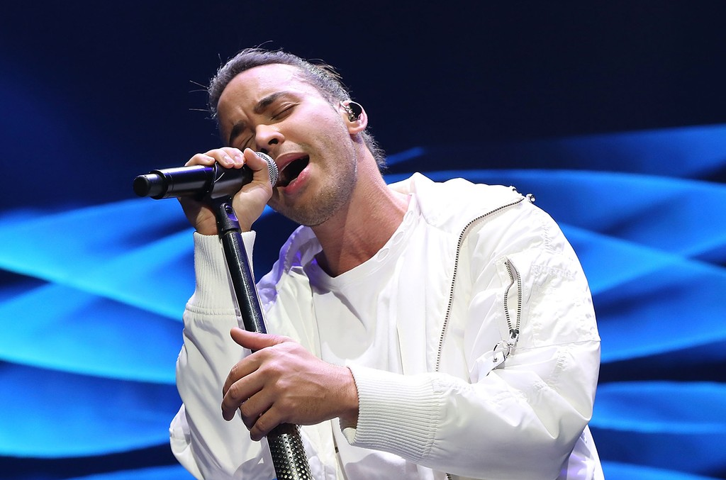Prince Royce performs in 2016