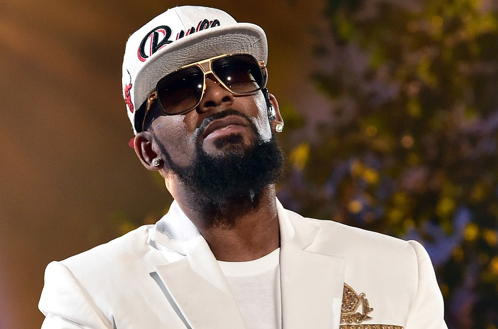 R. Kelly performs during the 2015 Soul Train Music Awards at the Orleans Arena on Nov. 6, 2015 in Las Vegas.