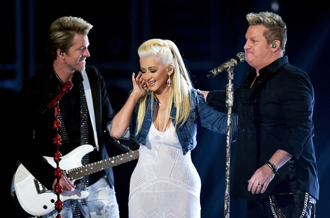 Rascal Flatts, Christina Aguilera acm awards 2015
