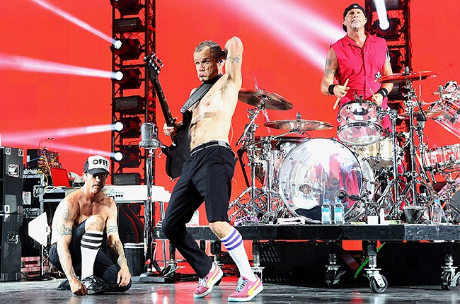 red-hot-chilli-peppers-live-650-430