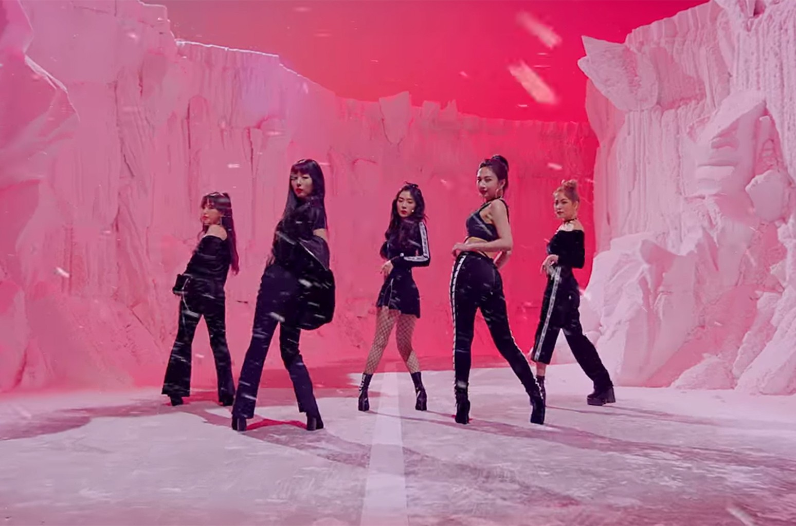 "Red Velvet, ""Bad Boy"""
