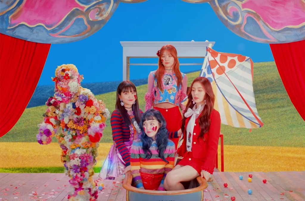 Red Velvet in the video for Rookie