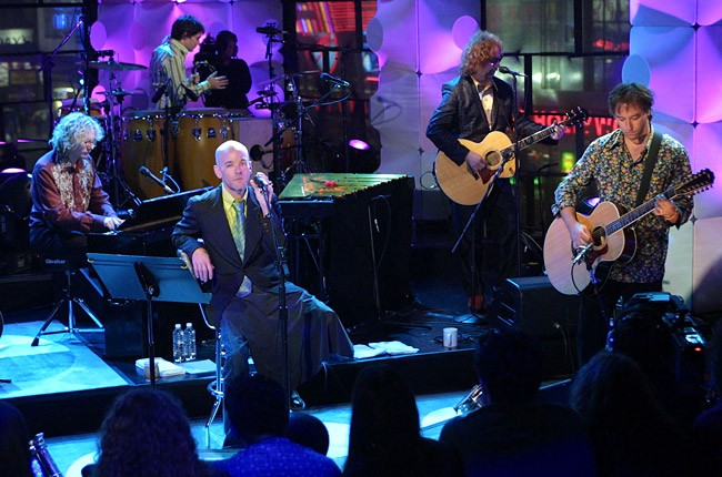 R.E.M. performs on MTV Unplugged in 2001
