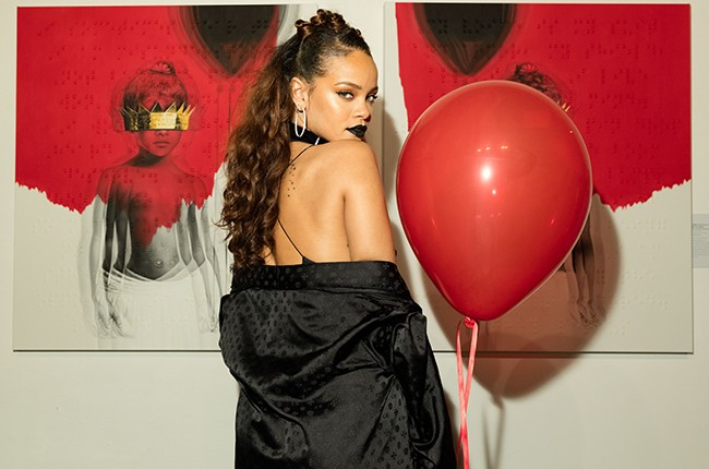 """Rihanna at the artwork reveal for her 8th album """"ANTI"""" at MAMA Gallery"""