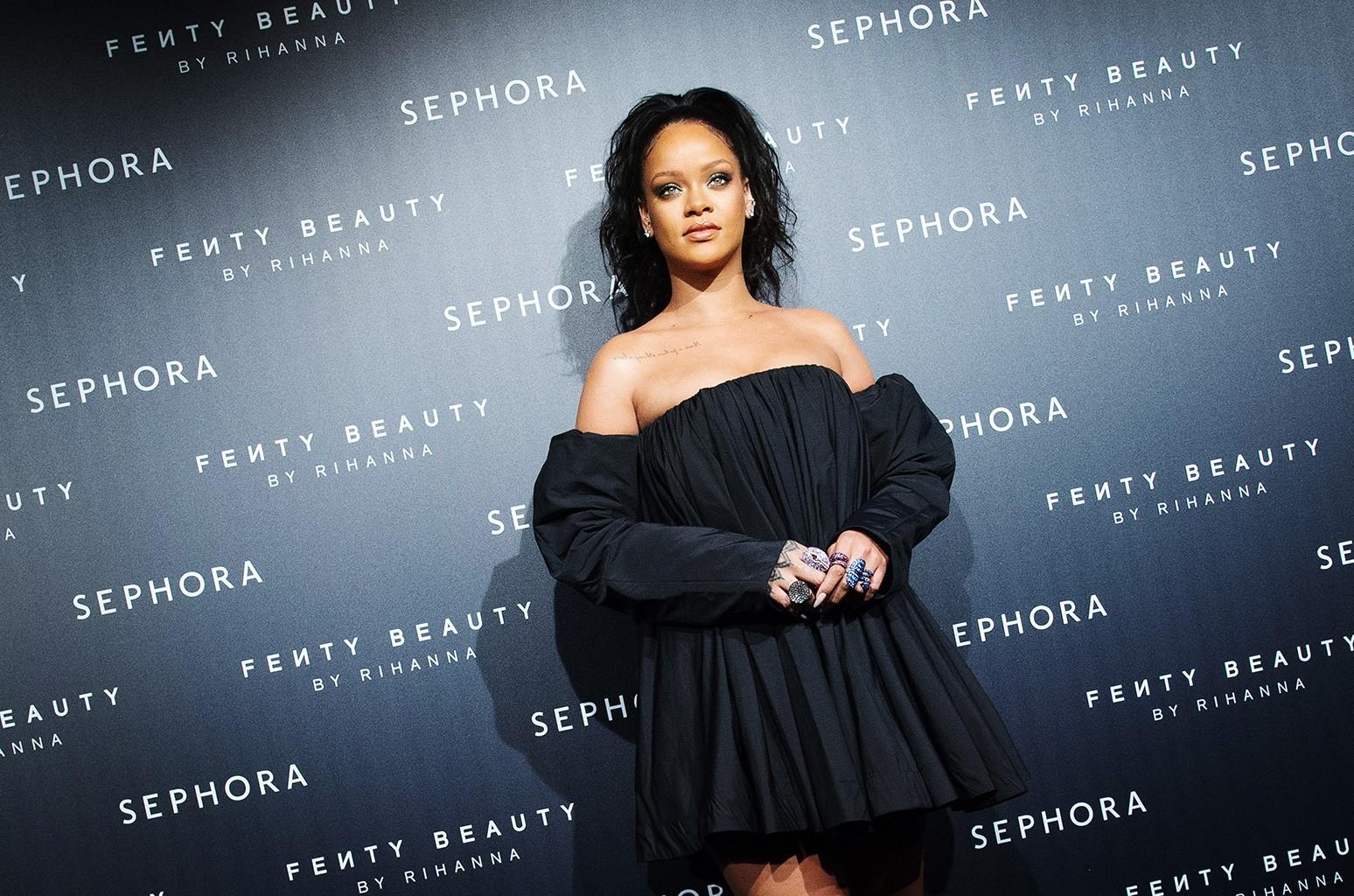 Rihanna, 2017