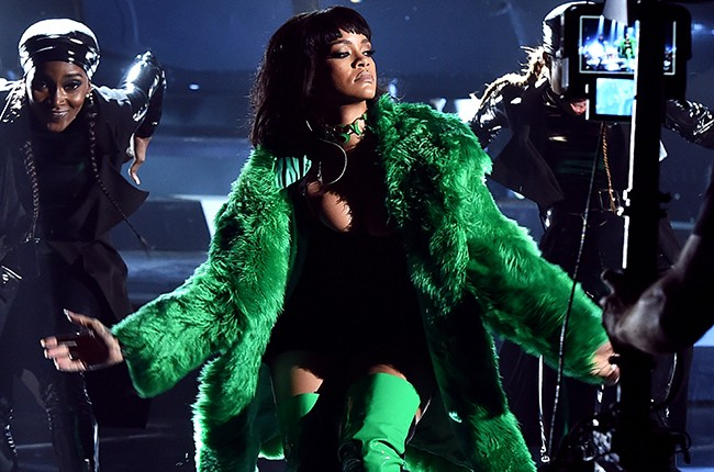 Rihanna at the 2015 iHeartRadio Music Awards