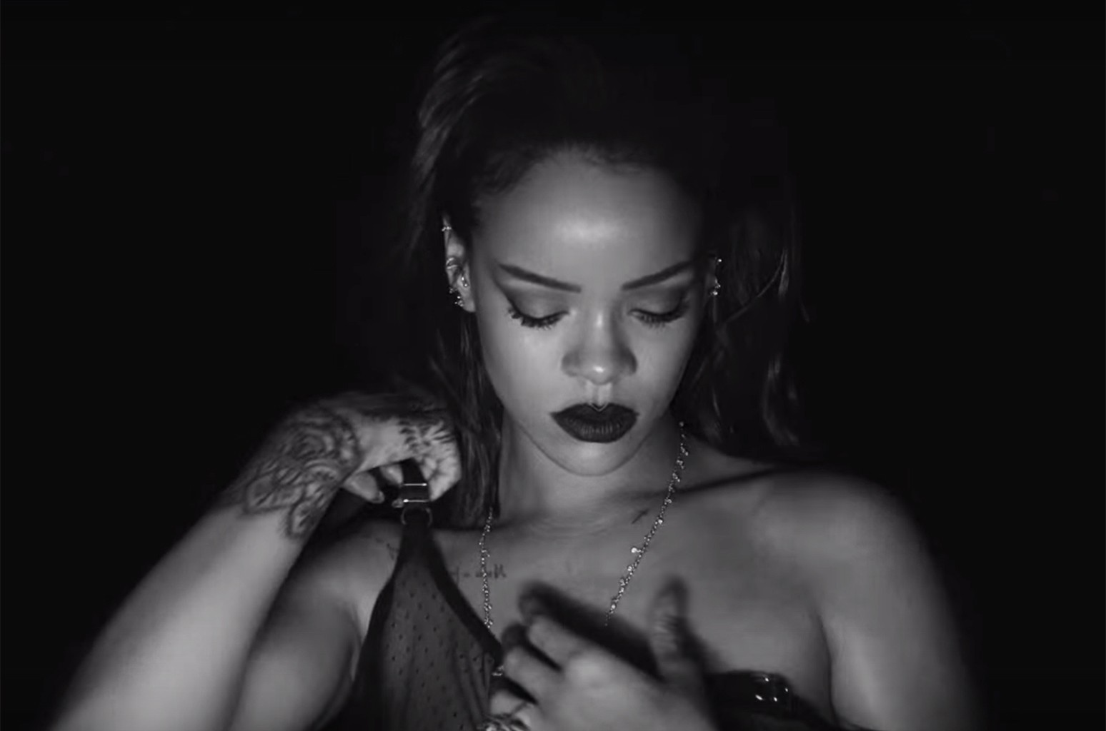 """Rihanna in the video for """"Kiss it Better."""""""