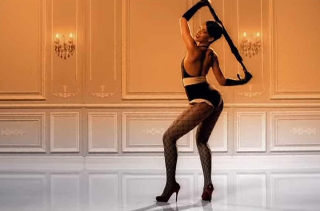 "Rihanna ft. JAY-Z ""Umbrella"""