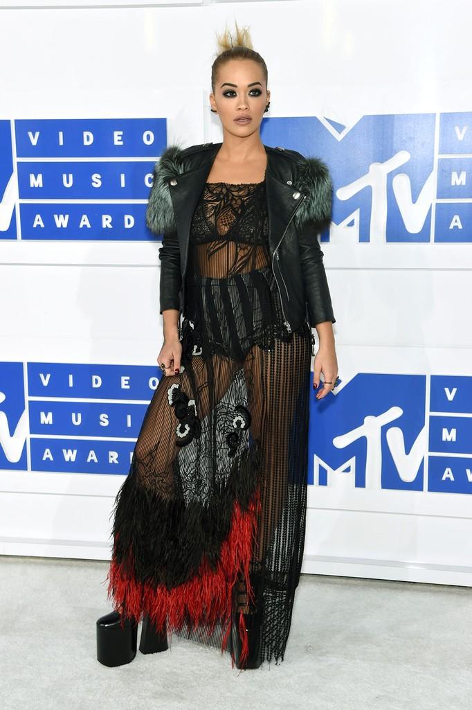 Rita Ora attends the 2016 MTV Video Music Awards