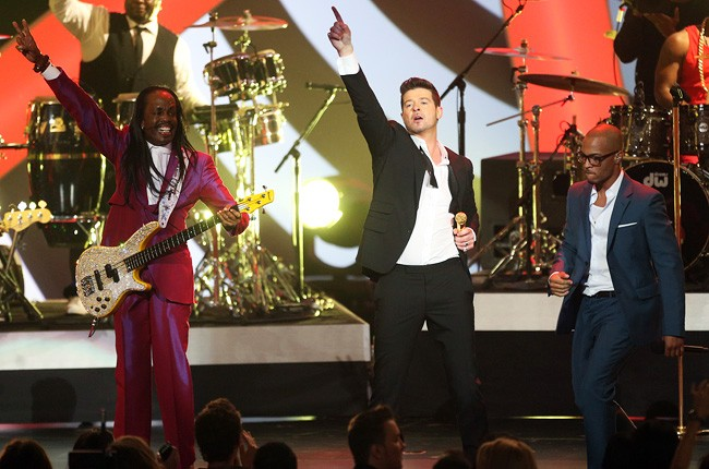 robin-thicke-2-grammy-noms-show-650-430