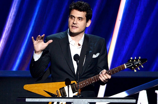rock-and-roll-fame-induction-john-mayer-650-430