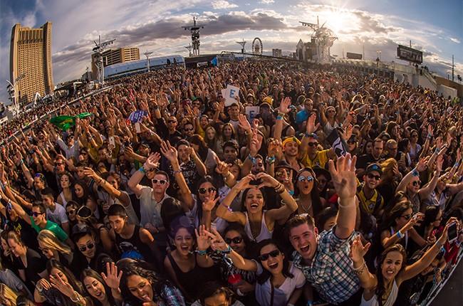 rock-in-rio-crowd-2015-billboard-650.jpg
