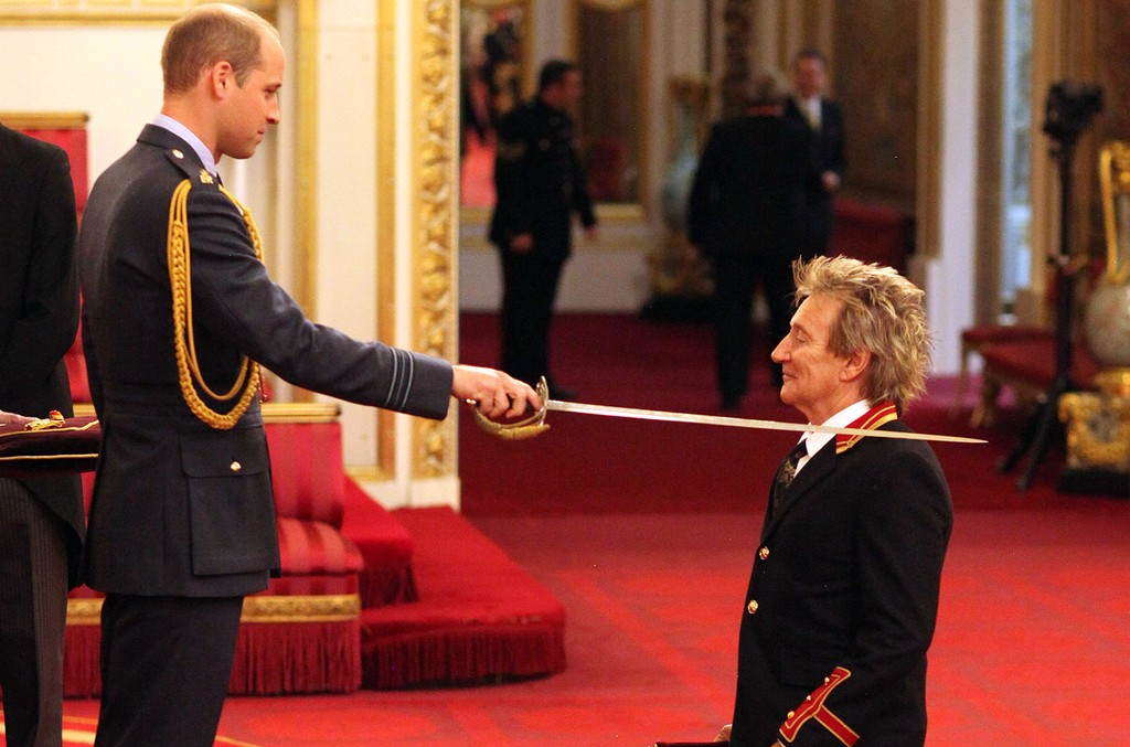 Sir Rod Stewart knighted