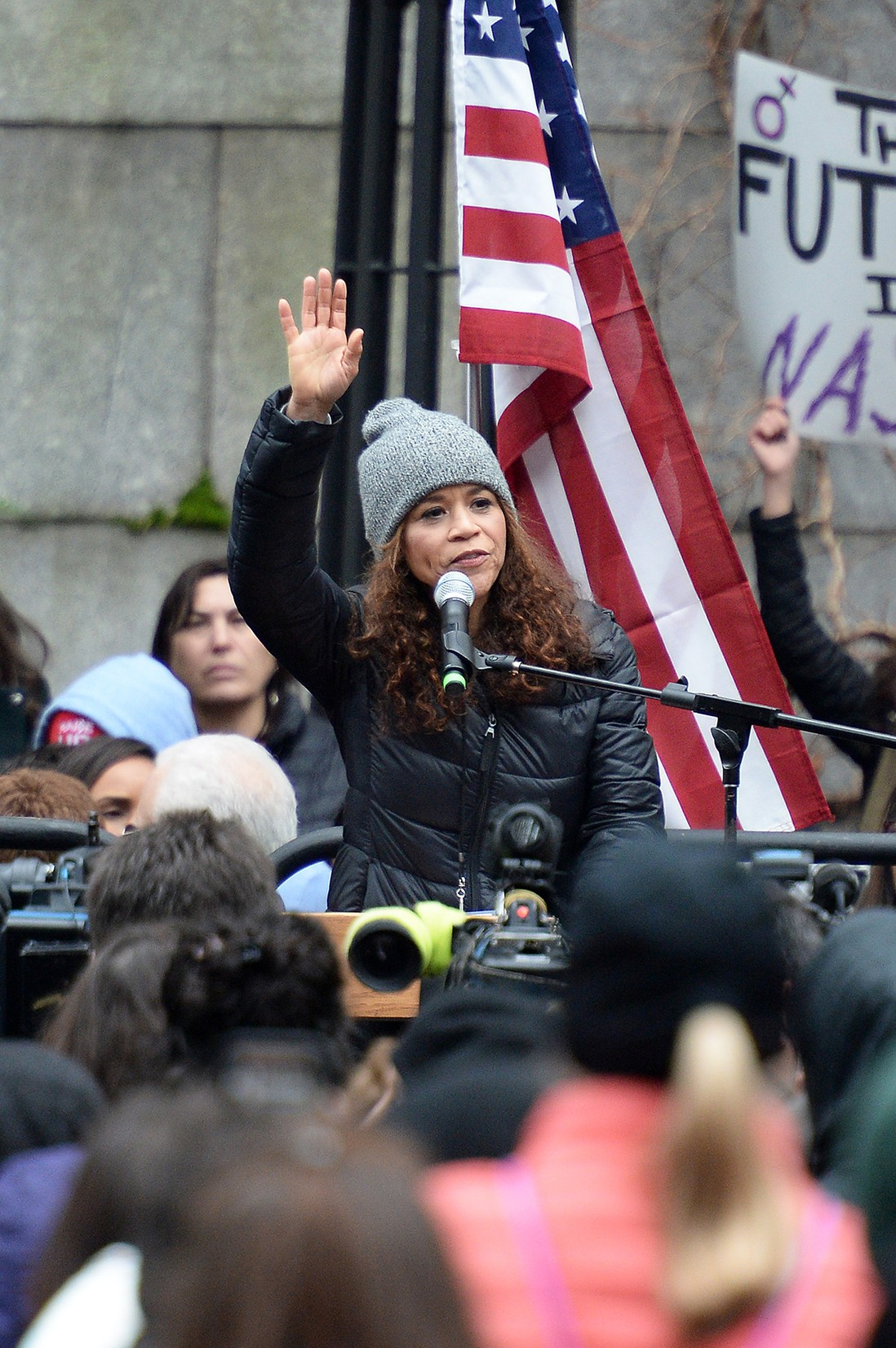 Rosie Perez speaks during the 2017 Women's March - Sister March in New York on January 21, 2017 in New York City.  (Photo by Andrew Toth/WireImage)
