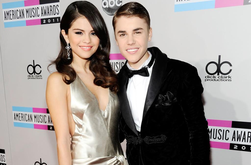 Selena Gomez & Justin Bieber, 2011
