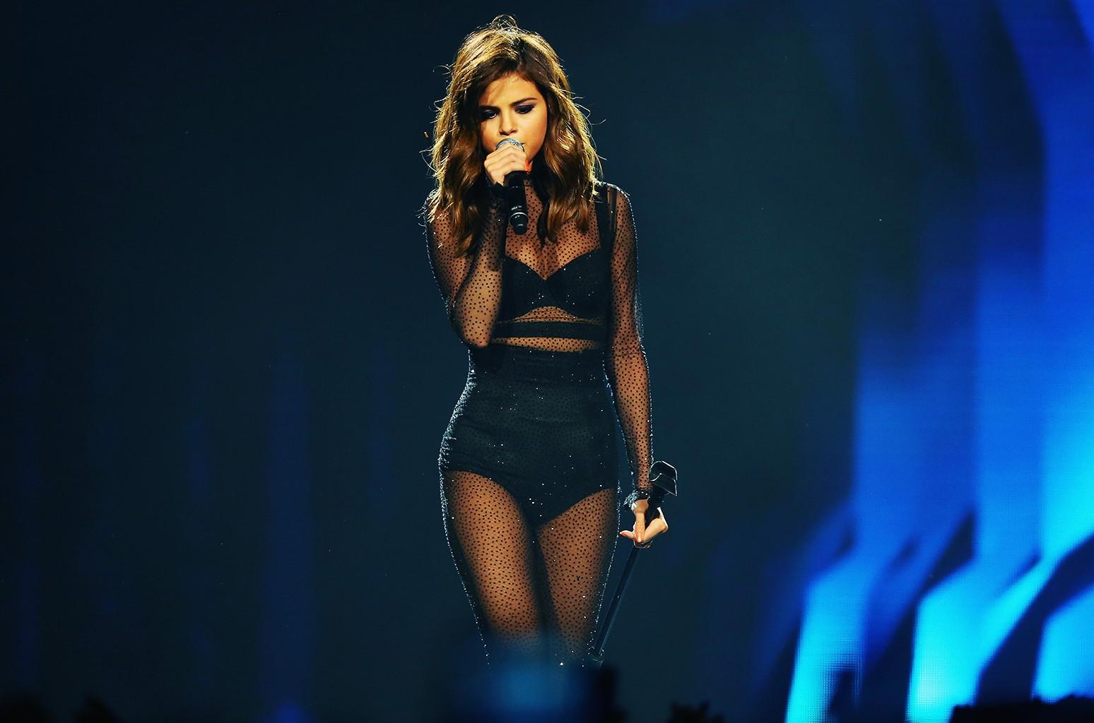 Selena Gomez performs in 2016