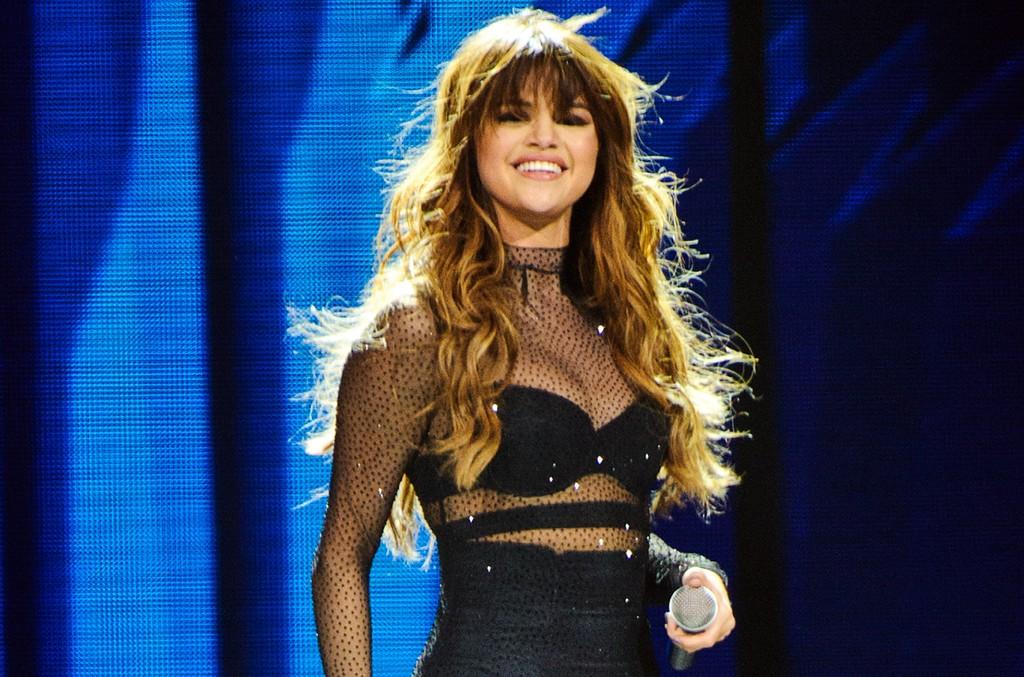 Selena Gomez performs in Chicago