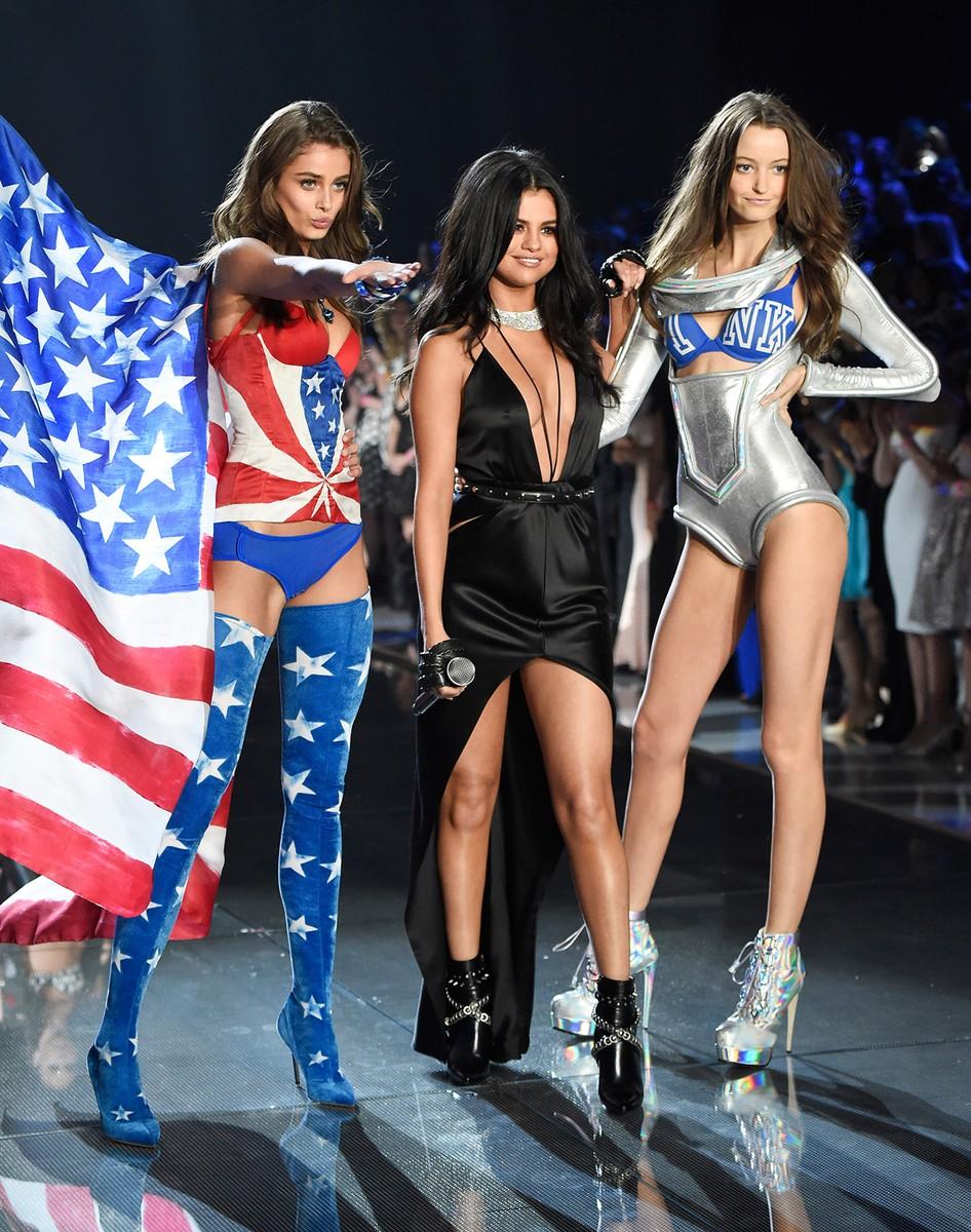 Taylor Hill, Selena Gomez and Megan Puleri