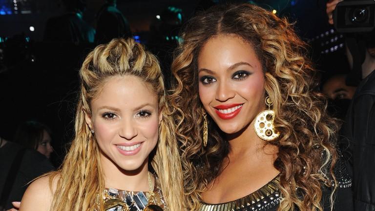 Shakira's 10 Most Memorable Collabs: Beyonce, Pitbull, Rihanna & More |  Billboard