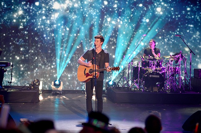 Shawn Mendes New Years Eve