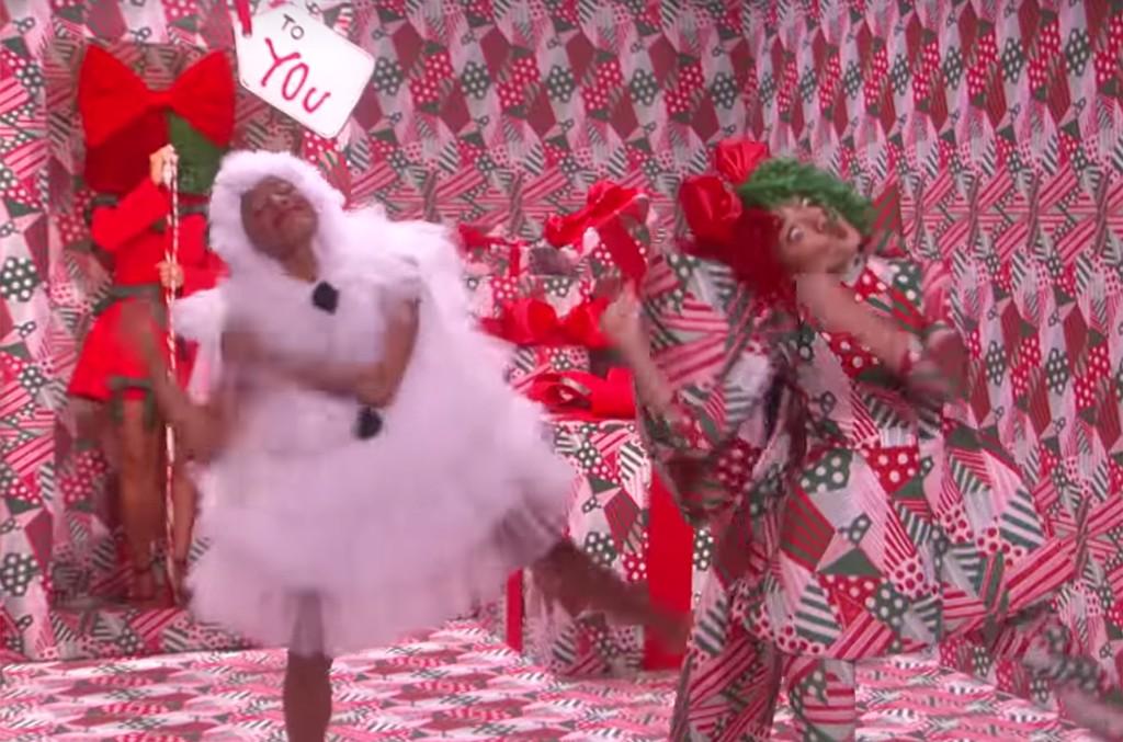 Sia performs on 'Ellen'
