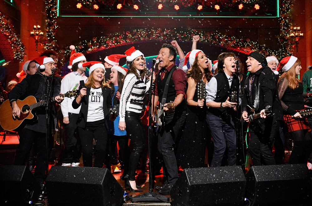 Bruce Springsteen performs with Amy Poehler, Tina Fey, Maya Rudolph, and Paul McCartney on Saturday Night Live