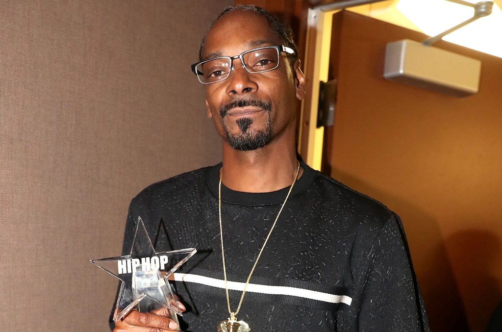 Snoop Dogg  attends the BET Hip Hop Awards
