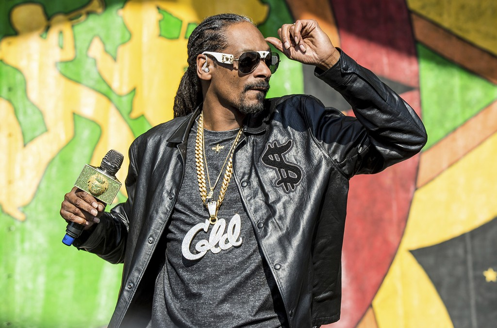Snoop Dogg performs at the New Orleans Jazz and Heritage Festival on May 6, 2017 in New Orleans.